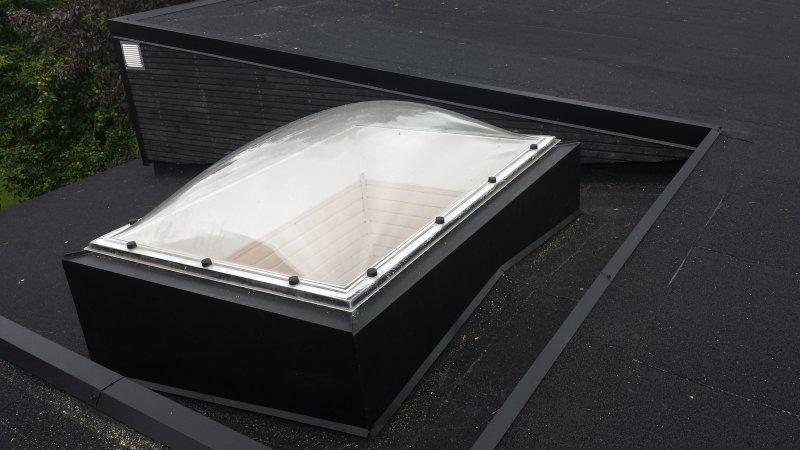 Huopakatto kattoikkuna (25)